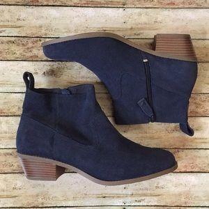 NWOT Vionic Vera Suede Water Resistant Boots